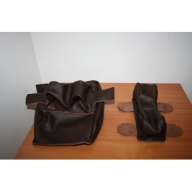 Shooting bags in genuine leather